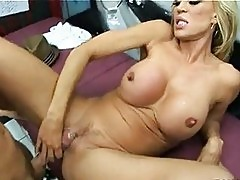 Horny Amber Lynn receives a hot reward of cock sauce on her ...