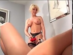 Older women and younger women 1 - nina hartley and jesse j